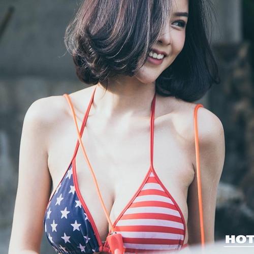 """Hết hồn với nàng người mẫu Thái Lan có """"núi đôi"""" như sắp nổ tung - 13"""