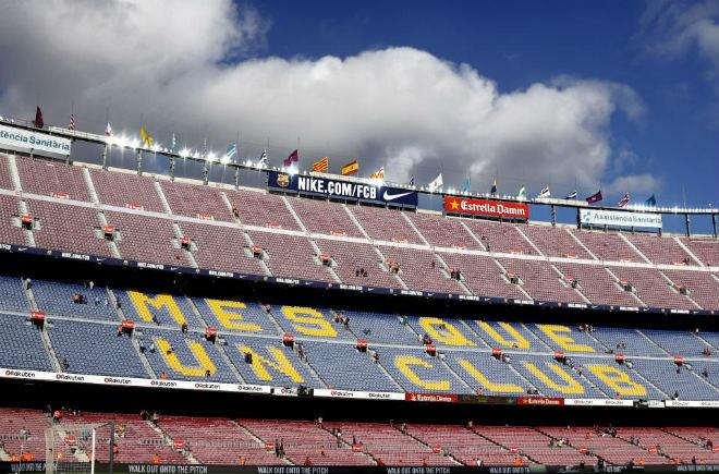 """Barca """"nổi lửa"""": 100.000 người xem """"Vua"""" boxing thống nhất giang sơn 2"""