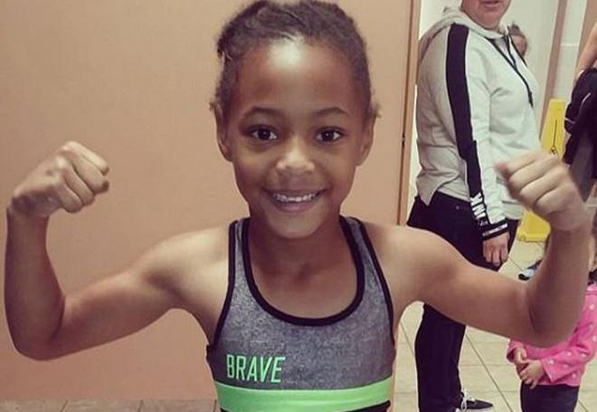 """Thần đồng boxing 8 tuổi: Đấm như """"súng bắn"""", vạn người phát cuồng 1"""