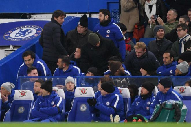 """Tin HOT bóng đá sáng 1/12: Conte nhận án phạt vì """"bật"""" trọng tài 1"""