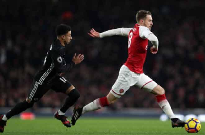 Góc chiến thuật Arsenal - MU: Mourinho học mưu Hàn Tín 3