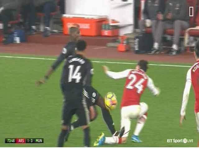 """Arsenal - MU: Đà đao hiểm độc, """"Người nhện"""" siêu đẳng 4"""