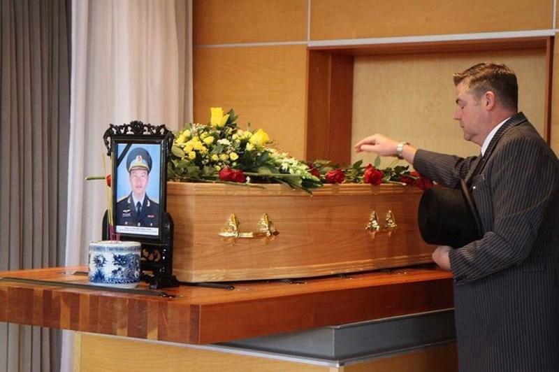 Lễ tang phi công Nguyễn Thành Trung tại nước Anh