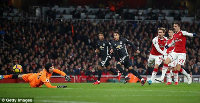 "MU ""hủy diệt"" Arsenal: Đỉnh cao De Gea, Pogba dại dột - 4"