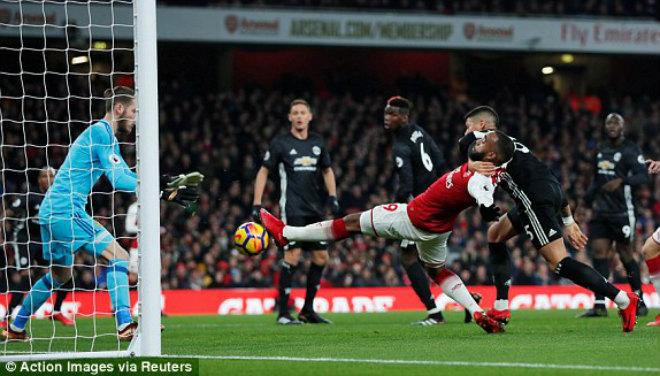 "MU ""hủy diệt"" Arsenal: Đỉnh cao De Gea, Pogba dại dột - 8"