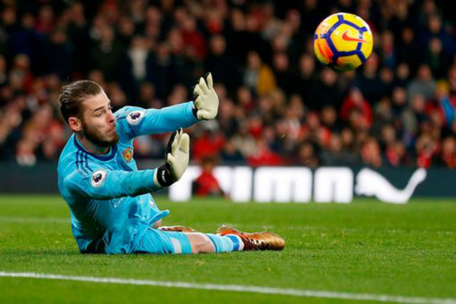 "MU ""hủy diệt"" Arsenal: Đỉnh cao De Gea, Pogba dại dột - 11"
