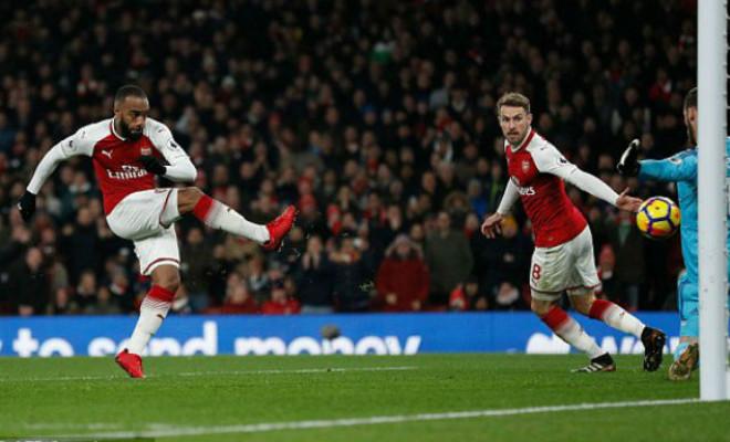 "MU ""hủy diệt"" Arsenal: Đỉnh cao De Gea, Pogba dại dột - 10"