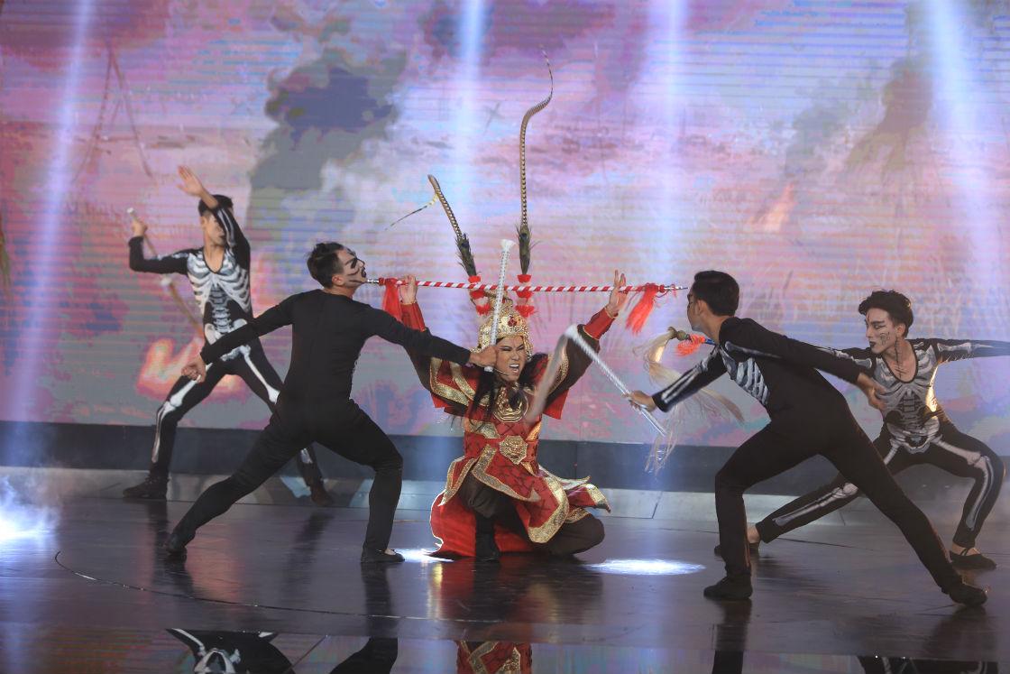 """""""Thần đồng"""" bé Châu suýt bị loại khỏi gameshow vì ảo thuật kém - 4"""