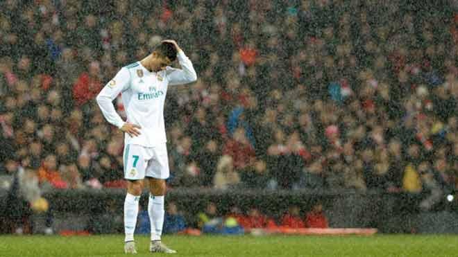 """Ronaldo 4 tháng ghi 2 bàn, Real sẽ ruồng bỏ """"tàn nhẫn"""" như Casillas - 1"""