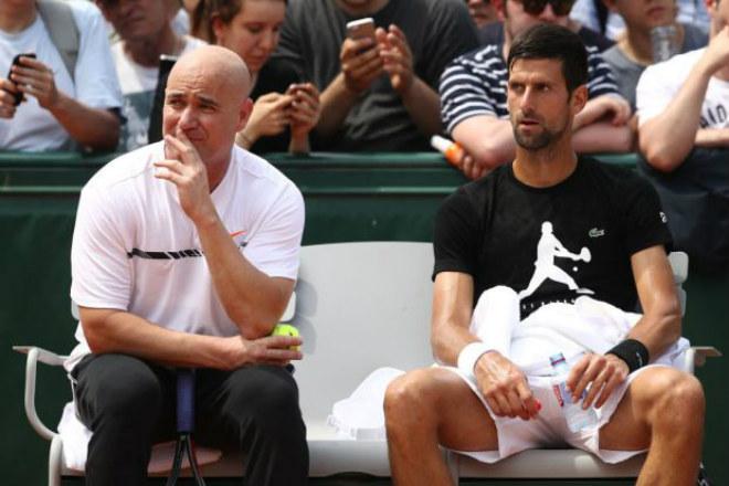 """Mơ giống Federer, Nadal: Djokovic tiết lộ """"vũ khí"""" bí mật 2"""
