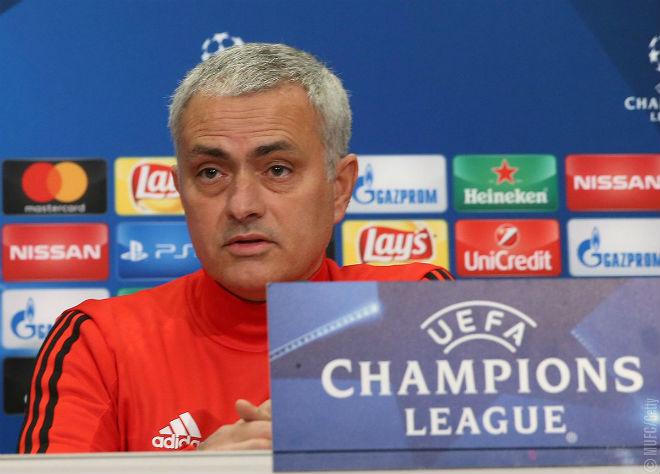 """Họp báo MU – CSKA Moscow: Pogba chuộc lỗi, Mourinho """"tung hỏa mù"""" 8"""