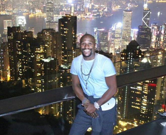 """Tin thể thao HOT 4/12: Mayweather rạng rỡ trên """"đỉnh"""" Hồng Kông 1"""