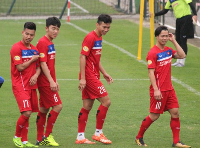 """U23 Việt Nam: HLV Park Hang Seo luyện """"bài tủ"""" của Công Phượng, Xuân Trường"""