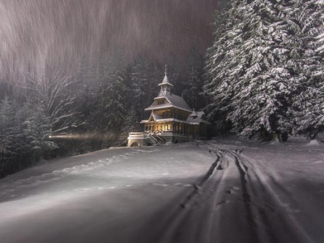 Không khí nóng rực tại 7 thành phố lộng lẫy nhất dịp Giáng sinh - 8