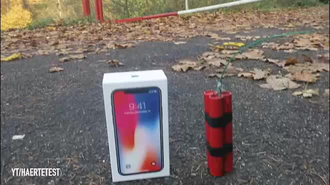 """Nín thở xem màn tra tấn iPhone X cực """"bá đạo"""""""