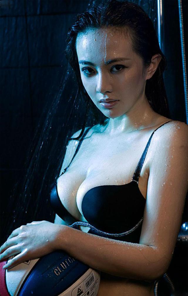 Bí mật vòng một lớn hơn 1 mét của con gái Châu Nhuận Phát - 8