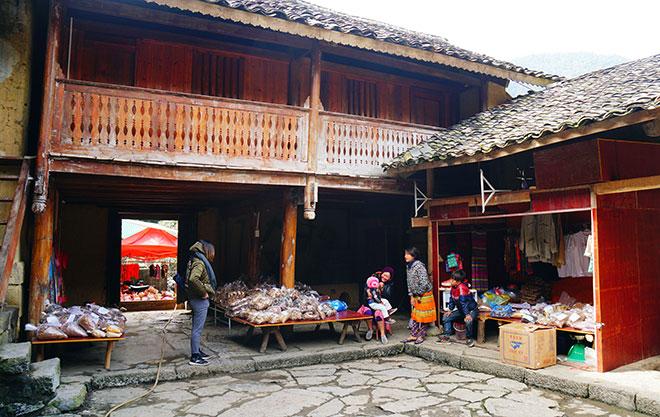Ở Hà Giang, có một ngôi nhà cổ đẹp lạ ẩn mình giữa cao nguyên đá - 9