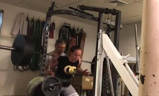 """Nữ sinh vô địch thiên hạ: 10 tuổi """"thần sức mạnh"""", 16 tuổi nâng 312kg 3"""