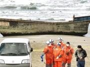 """Thế giới - """"Tàu ma"""" Triều Tiên dạt bờ Nhật, trên khoang có 3 người chết"""