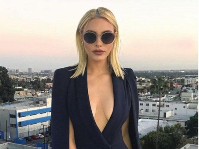 Nữ triệu phú sexy bậc nhất Instagram khoe cuộc sống xa hoa