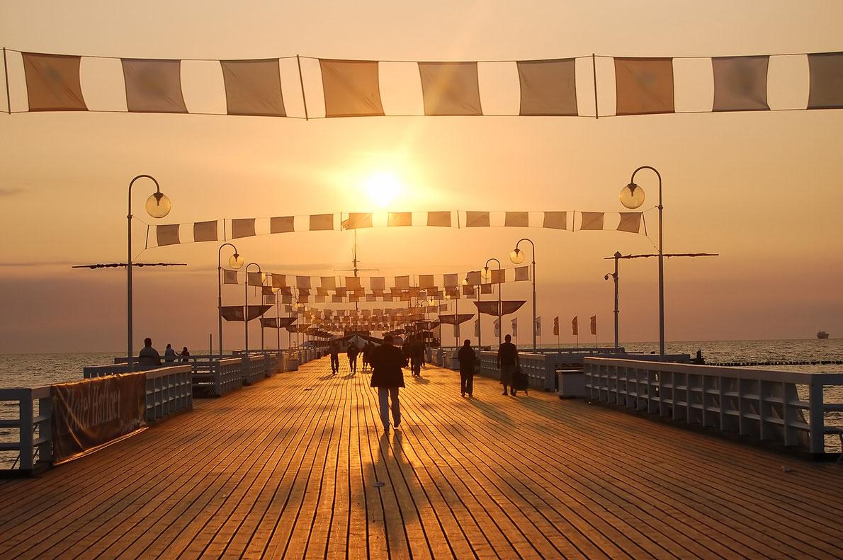 """""""Đứng hình"""" trước những cây cầu trên biển đẹp """"lịm tim"""" - 10"""