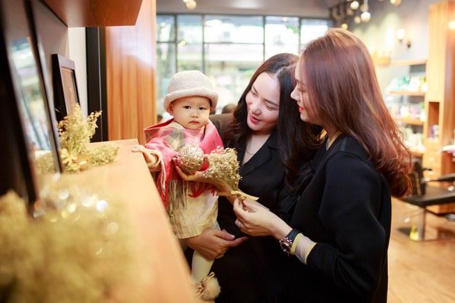 Phan Như Thảo đưa con gái ra Bắc hưởng cái lạnh bên bạn thân Ngọc Thạch - 3