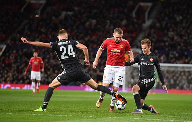"""Kèo trái Luke Shaw chói sáng: """"Bom tấn"""" mùa đông cho MU – Mourinho - 1"""