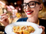 Sức khỏe đời sống - Thói quen ăn nhanh tăng nguy cơ đột quỵ