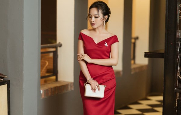 """Angela Phương Trinh đẹp nhì tuần với váy """"một mất một còn"""" - 7"""