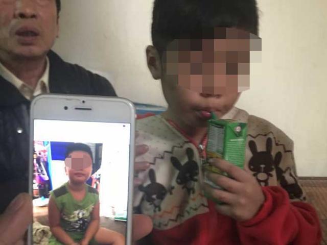 """Vụ bé trai 10 tuổi bị bạo hành ở HN: """"Đừng hỏi về việc cháu bị bố đánh nữa"""" - 2"""