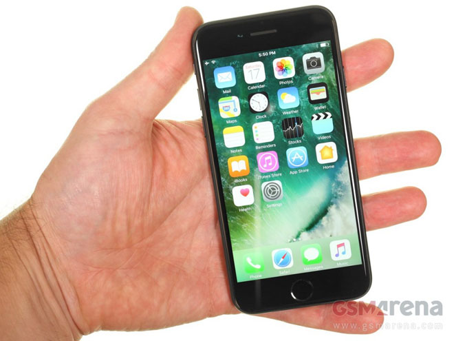 Galaxy Note FE vs iPhone 7: Đối đầu không khoan nhượng - 3