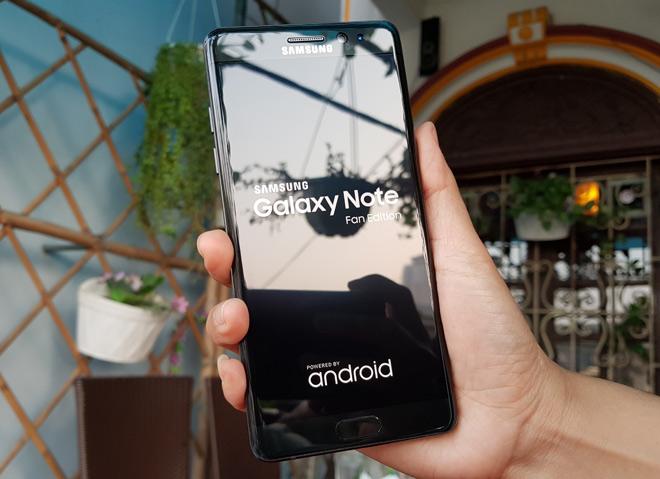 Galaxy Note FE vs iPhone 7: Đối đầu không khoan nhượng - 2