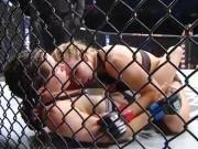 """Thể thao - Người đẹp UFC bị """"tai nạn nhạy cảm"""": Không mê võ chỉ mê tiền?"""