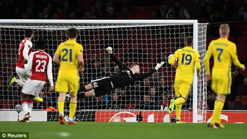 Chi tiết Arsenal - BATE Borisov: Giroud hụt cú đúp, Emirates vẫn tưng bừng (KT) 24