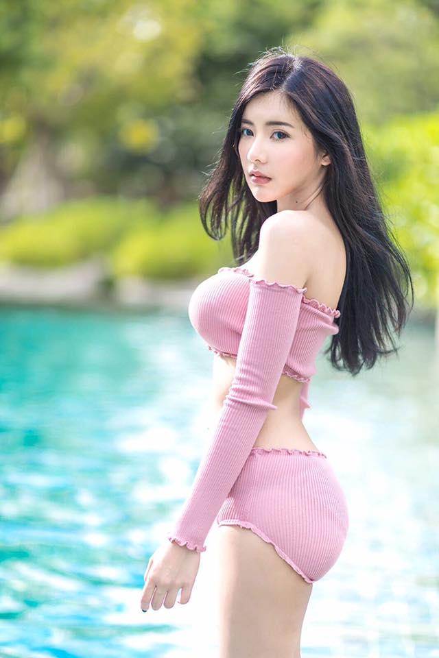 Hot girl Thái Lan gây sốt với thân hình chữ S siêu gợi cảm