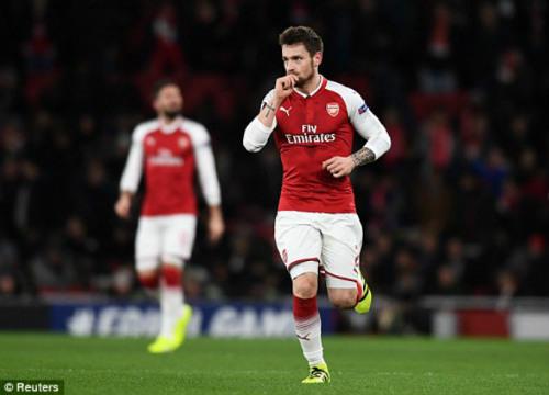 Chi tiết Arsenal - BATE Borisov: Giroud hụt cú đúp, Emirates vẫn tưng bừng (KT) 22