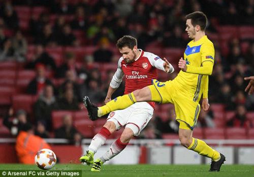 Chi tiết Arsenal - BATE Borisov: Giroud hụt cú đúp, Emirates vẫn tưng bừng (KT) 21