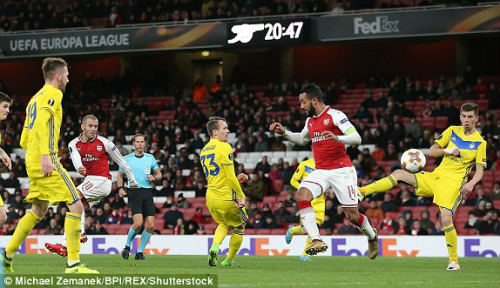 Chi tiết Arsenal - BATE Borisov: Giroud hụt cú đúp, Emirates vẫn tưng bừng (KT) 26