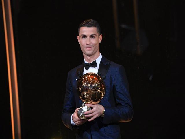 """Vua bóng đá Ronaldo: Bóng vàng không vết xước, """"khóa miệng"""" anti-fan 6"""