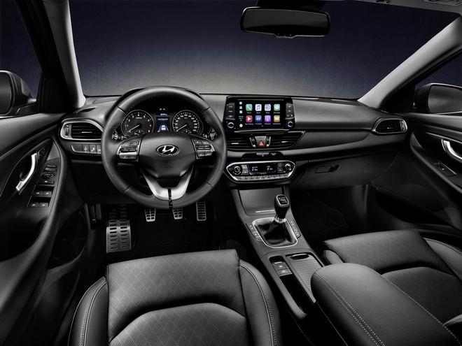 Hyundai i30 Fastback 2018 có giá từ 616 triệu đồng - 3