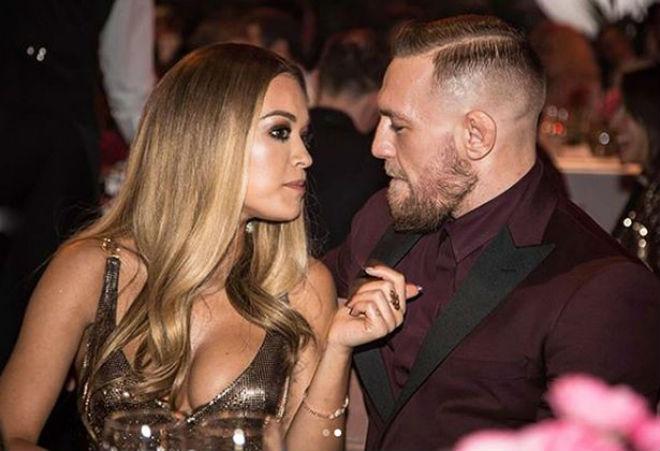 McGregor hết dính người đẹp lại