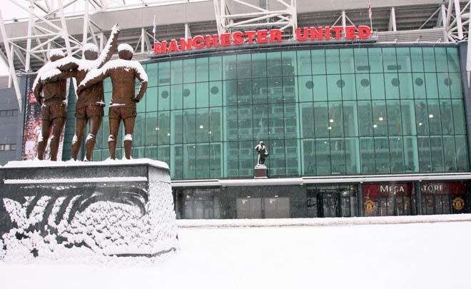 """Nóng: Không Pogba, """"Trời"""" giúp MU, derby Manchester có thể bị hoãn"""