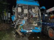 Tin tức trong ngày - Tông xe liên hoàn trên quốc lộ 1A, 13 người thương vong