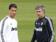 Bóng đá - Tin HOT bóng đá tối 9/12: Mourinho và Ronaldo không thân thiết như cha con