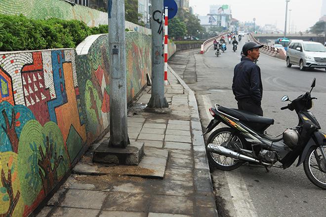 Hà Nội lại phải chi tiền tỷ để vá con đường gốm sứ lớn nhất thế giới - 9