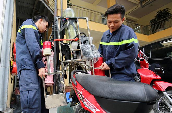 Cận cảnh xe chữa cháy siêu nhỏ, lần đầu xuất hiện ở Hà Nội - 5