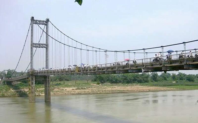 2 nữ sinh nghi tự tử trên sông Lam có để lại lá thư