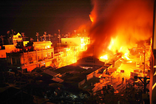 Cháy chợ ở Cà Mau, 11 ki ốt bị thiêu rụi