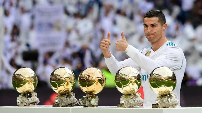 """Huyền thoại Ronaldo ủ mưu: Chia sẻ Bóng vàng, nịnh CĐV, giữ """"ngôi vua"""" Real - 1"""