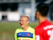 Bóng đá - HLV Park Hang Seo bỏ tiền túi chiêu đãi Công Phượng & U23 Việt Nam